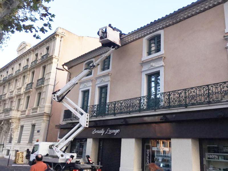 Avarie sur le toit de Narbonne suite aux intempéries d'octobre